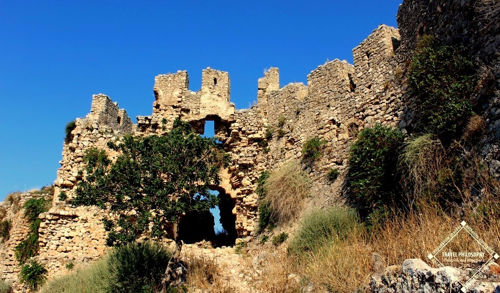 Old Navarino Castle - Reaching the Gate