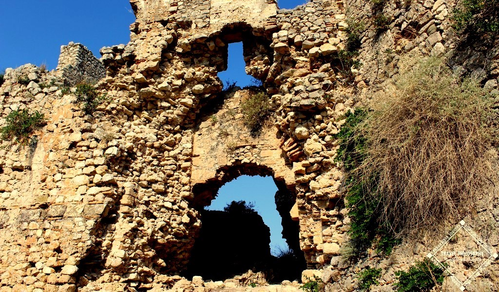 Old Navarino Castle - The Gate has some maintenance issues